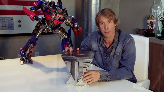 Michael Bay presenta la Edición Limitada del set the la Trilogía de Transformers