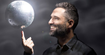 Jorge Drexler's new album,Bailar en la Cueva, ventures into new territory for him: dance rhythms