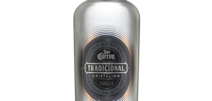 Tequila Tradicional se Viste Cristalino