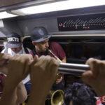 Jalisco Baile Usted - Guadalajara - Tren Ligero - Foto Salvador Tabares - Nine Fiction 008 (2)