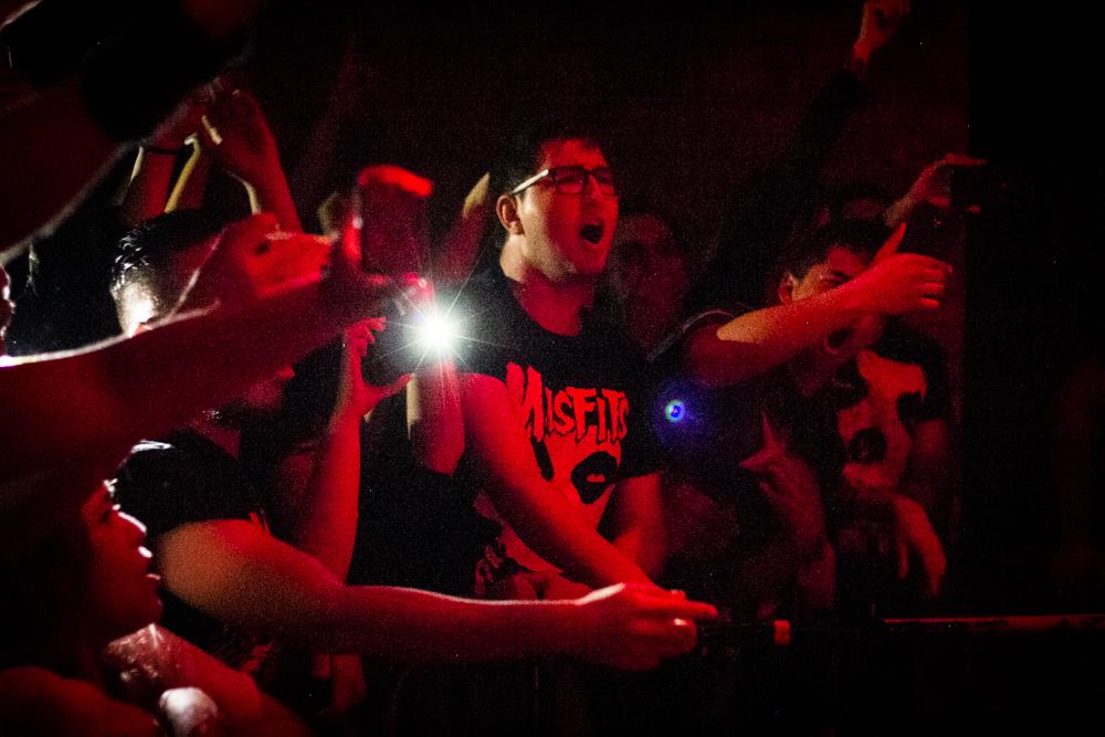 El público estuvo exultante en la presentación del ex Misfits.