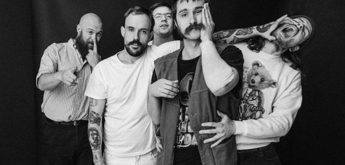 IDLES, post punk agrio, vivo y cruelmente hipnotizante